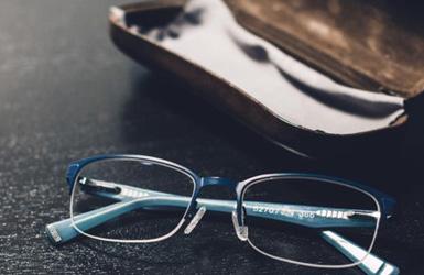 华艺眼镜案例图片